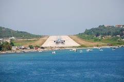 斯基亚索斯岛机场,希腊 免版税库存照片