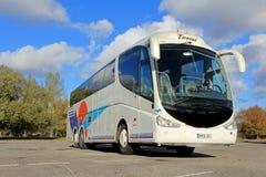 斯堪尼亚在一个停车场的教练公共汽车在图尔库,芬兰 免版税库存照片