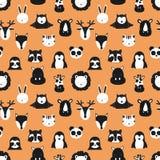 斯堪的纳维亚动物的样式 橙色背景 狐狸,鹿,猫头鹰,怠惰,犀牛,猫,河马,长颈鹿,狮子,pengu的传染媒介图象 向量例证