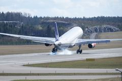 斯堪的纳维亚航空公司, SAS,空中客车A330 - 343登陆 图库摄影