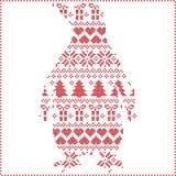 斯堪的纳维亚北欧与企鹅形状的冬天缝的编织的圣诞节样式包括雪花,心脏,树圣诞节 库存照片