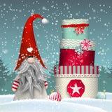 斯堪的纳维亚圣诞节传统地精, Tomte,与堆五颜六色的礼物盒,例证 向量例证