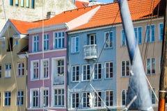 斯堪的纳维亚语五颜六色的房子 库存照片