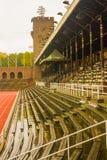 斯德哥尔摩奥林匹克体育场:东部长凳、皇家论坛和塔 图库摄影