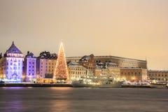 斯德哥尔摩市在晚上 免版税库存图片