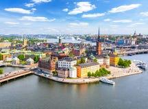 斯德哥尔摩老镇从政府大厦上面,瑞典的Gamla斯坦鸟瞰图  免版税库存图片
