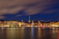 斯德哥尔摩老镇在晚上 库存照片