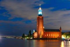 斯德哥尔摩香港大会堂在晚上,斯德哥尔摩,瑞典 免版税库存图片