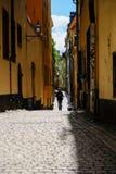 斯德哥尔摩,瑞典,一个走的游人 免版税库存照片