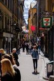 斯德哥尔摩,瑞典,走的游人 免版税图库摄影