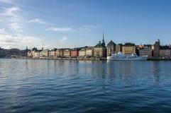斯德哥尔摩,瑞典- 2015年10月15日 资本的全景从Skeppsholmen海岛的  免版税库存照片