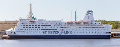 斯德哥尔摩,瑞典- 2011年6月5日:圣皮特圣徒・彼得线的国际旅游轮渡公主阿纳斯塔西娅在斯德哥尔摩港的  免版税库存照片
