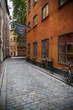 斯德哥尔摩,瑞典- 2016年8月19日:老狭窄的Kindstug看法  免版税库存图片