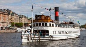 斯德哥尔摩,瑞典- 2012年5月15日:葡萄酒汽轮Gustafsberg VII在斯德哥尔摩中水域  免版税库存图片