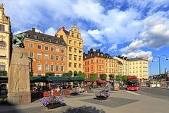 斯德哥尔摩,瑞典-老镇处所-在G的Kornhamnstorg街道 免版税库存照片