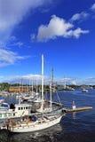 斯德哥尔摩,瑞典-靠码头由Djurgarden海岛的小船 免版税库存图片