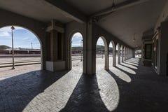 巴斯托加利福尼亚历史的火车站曲拱 免版税图库摄影