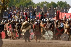 斯拉夫人和北欧海盗争斗  免版税库存图片