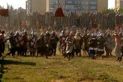斯拉夫人和北欧海盗争斗  库存图片