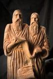 斯拉夫民族的教育家西里尔和Methodius黏土雕象关闭ima 免版税图库摄影