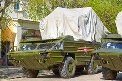 斯摩棱斯克,俄罗斯- 2018年5月03日:军用设备在前面 免版税库存图片