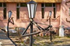 斯摩棱斯克,俄罗斯- 2018年5月03日:灯笼在的公园为 库存图片