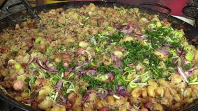 斯洛伐克全国专业原始halusky与brynza和圆白菜,非常健康,鲜美和滋补为人,销售  股票录像