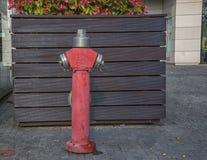 斯洛伐克,布拉索夫- 2017年有现代建筑学的11月5日,多瑙河 水城市消防栓 图库摄影