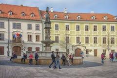 斯洛伐克,布拉索夫- 2017 11月5日,历史的老镇,从奥匈帝国帝国的大厦 大广场 库存图片