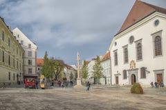 斯洛伐克,布拉索夫- 2017 11月5日,历史的老镇,从奥匈帝国帝国的大厦 大广场 免版税库存照片