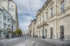 斯洛伐克,布拉索夫- 2017 11月5日,历史的老镇,从奥匈帝国帝国的大厦 reduta从1913年 免版税库存照片