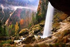 斯洛文尼亚风景,自然,秋天场面,自然,瀑布,山 免版税库存图片