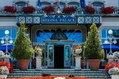 斯特雷萨,意大利- 2016年7月14日 在雷日纳华园大饭店, Maggiore湖的一个镇的斯特雷萨视图 免版税库存图片