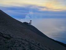 斯特龙博利岛火山的爆发,风神海岛,西西里岛,意大利 免版税图库摄影