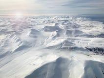 斯瓦尔巴特群岛山鸟瞰图 免版税库存图片