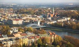 维斯瓦河的鸟瞰图在历史的市中心 免版税库存照片