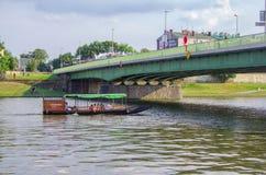 维斯瓦河,游人享用,移动由水 免版税库存图片