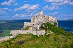 斯皮城堡,斯洛伐克古老废墟夏天阳光天 免版税库存照片