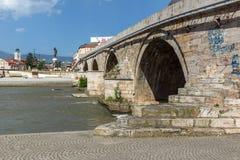 斯科普里市中心和考古学博物馆和老石桥梁,马塞多共和国 库存照片