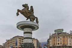 斯科普里,马其顿共和国- 2018年2月24日:斯科普里市中心和亚历山大大帝纪念碑 免版税图库摄影