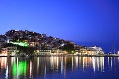 斯科派洛斯岛晚上视图  免版税库存照片
