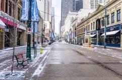 斯蒂芬大道在一个冬日,卡尔加里,加拿大看法  图库摄影