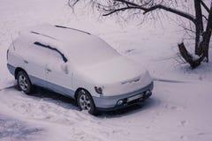 斯诺伊冬天在城市 库存照片