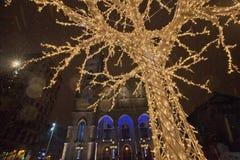 斯诺伊冬天夜在老城蒙特利尔 免版税库存图片