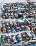 斯诺伊冬天小船船坞 在视图之上 免版税库存图片