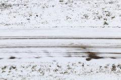 斯诺伊冬天路 免版税库存图片