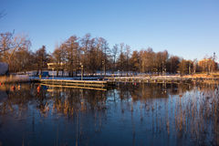 斯诺伊小船由海靠码头在赫尔辛基,芬兰 库存照片