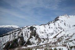 斯诺伊山景,馆山KUROBE高山路线 免版税库存照片