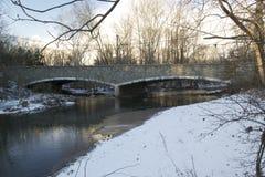 斯诺伊桥梁反射 图库摄影