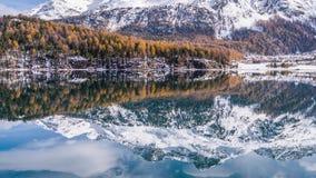 斯诺伊秋天Mountain湖反射瑞士空中4kMountain Fall湖反射瑞士空中4k 影视素材